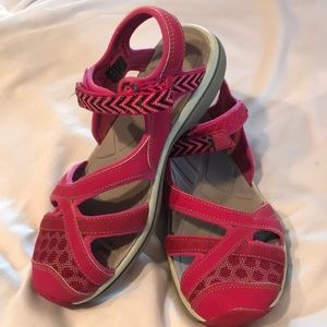 Women's size 7.5 Keen sandals